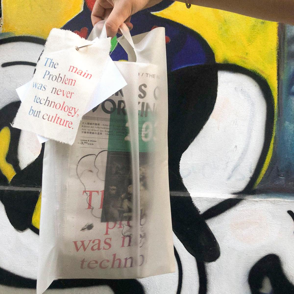 Meinungsbilder, Identitätspolitik und Kunstdiskurs: Die polyglotte Straßenzeitung Arts of the Working Class 1