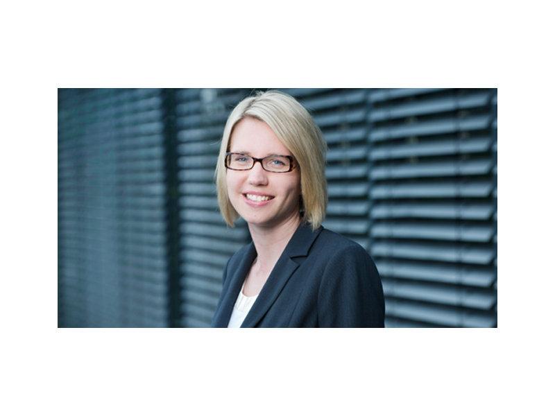 Portraitfotografie von Dr. Eva Stüber - Mitglied der Geschäftsleitung des IFH Köln