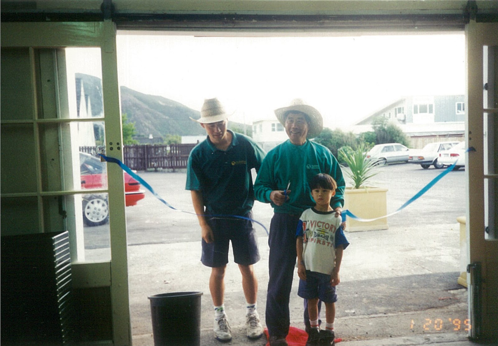 3 generations of the Lowe Family opening the Lower Hutt branch in 1995