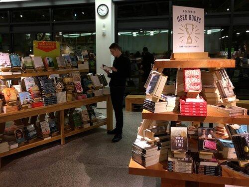 Isaac_Lien_Bookstore.jpg