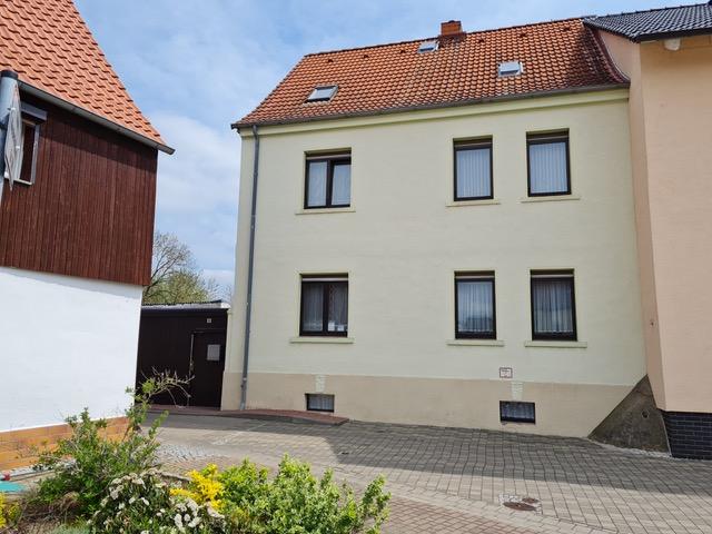 EFH mit 7 Zimmern und Wassergrundstück in Unseburg