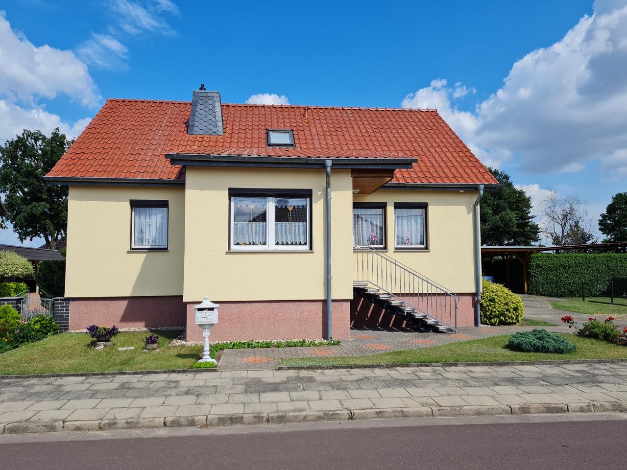 EFH mit großem Grundstück und Carport in Möckern OT Ziepel