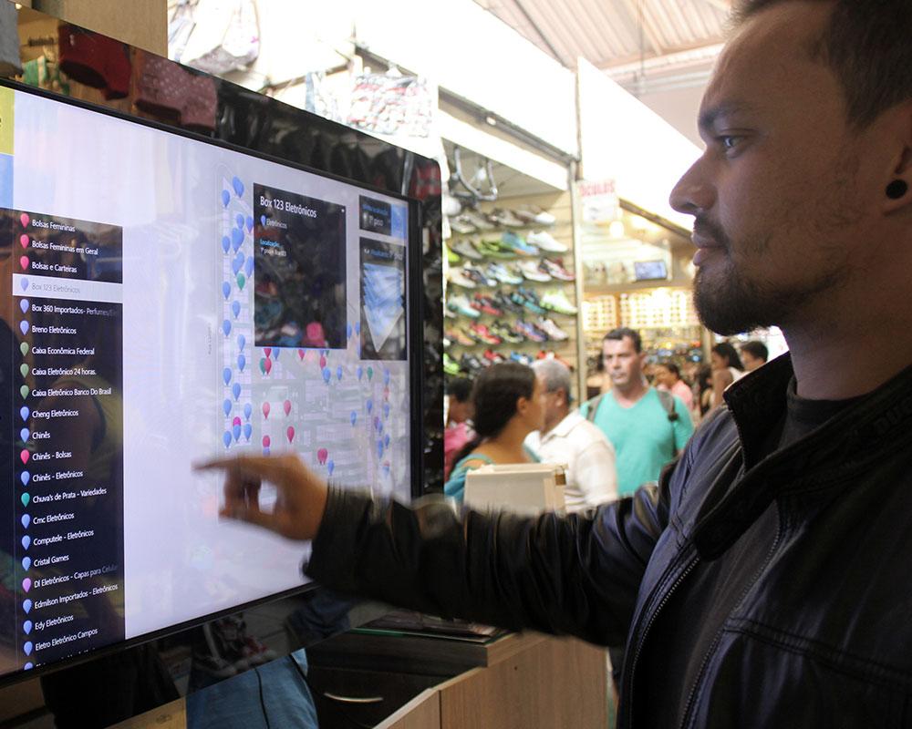 Terminal interativo em locais públicos