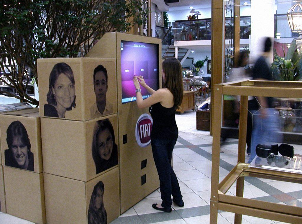 Tela interativa para mostra Fiat Jovens Designer