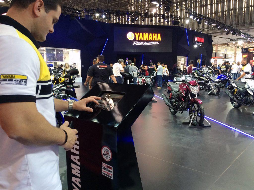 Estande Yamaha no Salão Duas Rodas