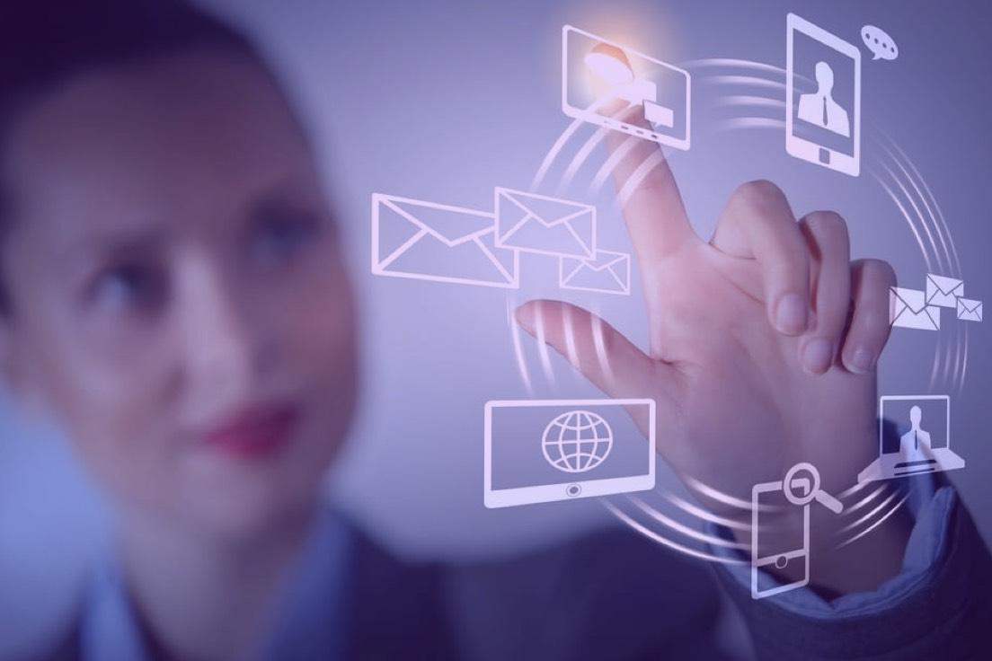 Como a interatividade do touchscreen pode ser aplicada em sua empresa