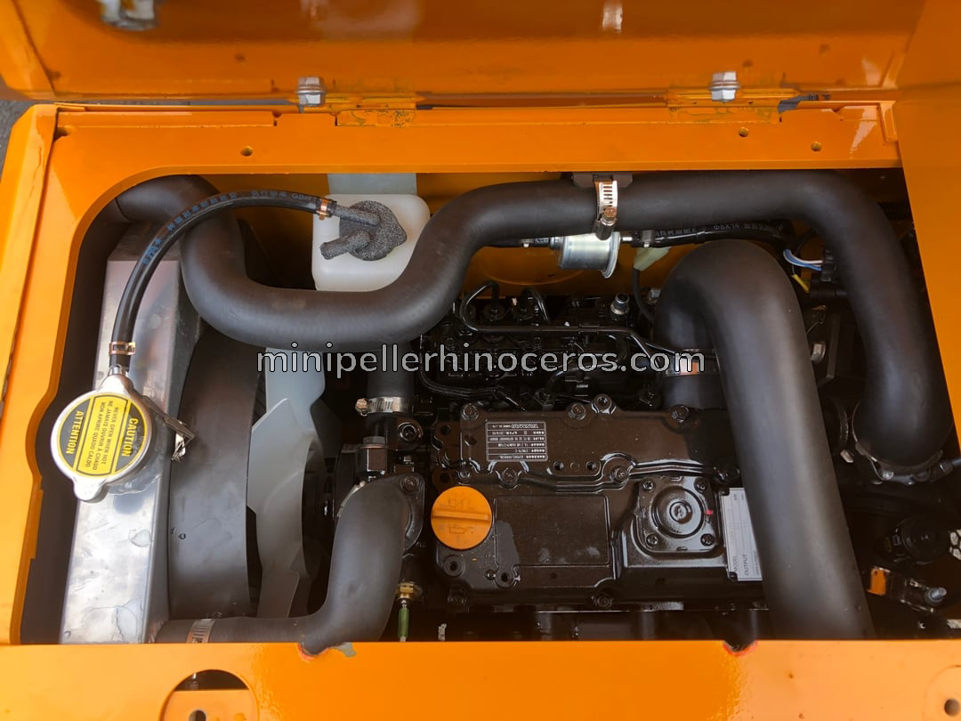 Moteur Yanmar 3TNV-70 3 cylindres de la Mini Pelle XN12