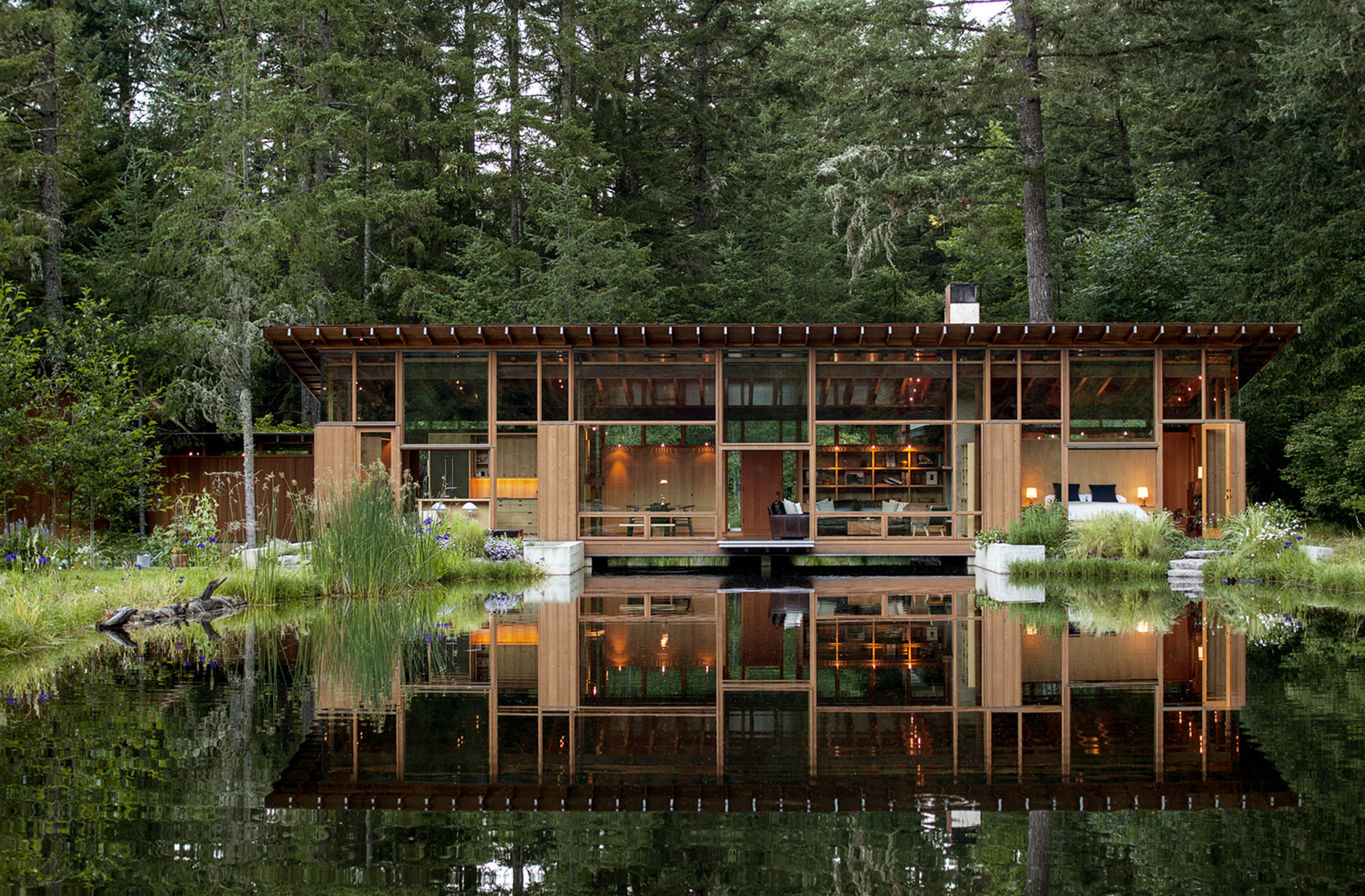A Single Entity Home That Floats (TH)
