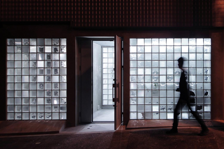 Glass Art Gallery & Residence by Jun Murata