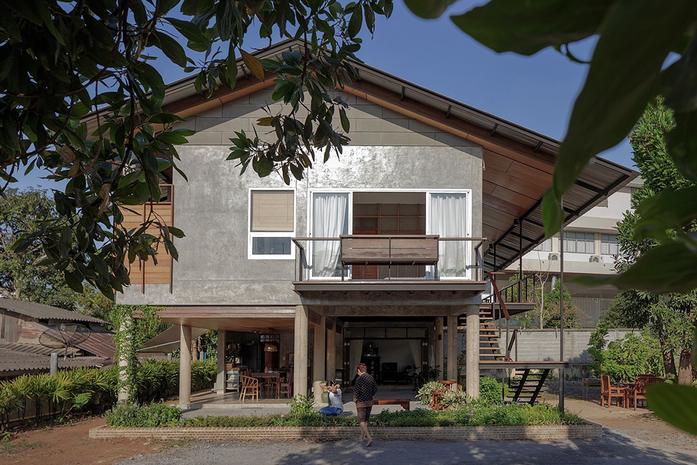 Revamped Thai Home Is Set To Breathe