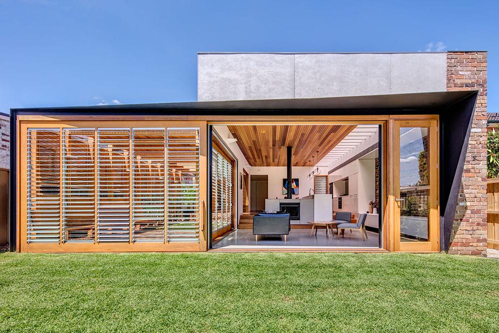 Australian Home and Playful Backyard Living