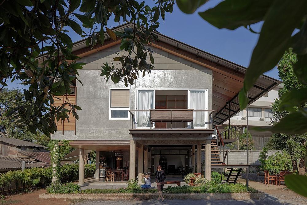 Tropical Vernacular Style Modern Home