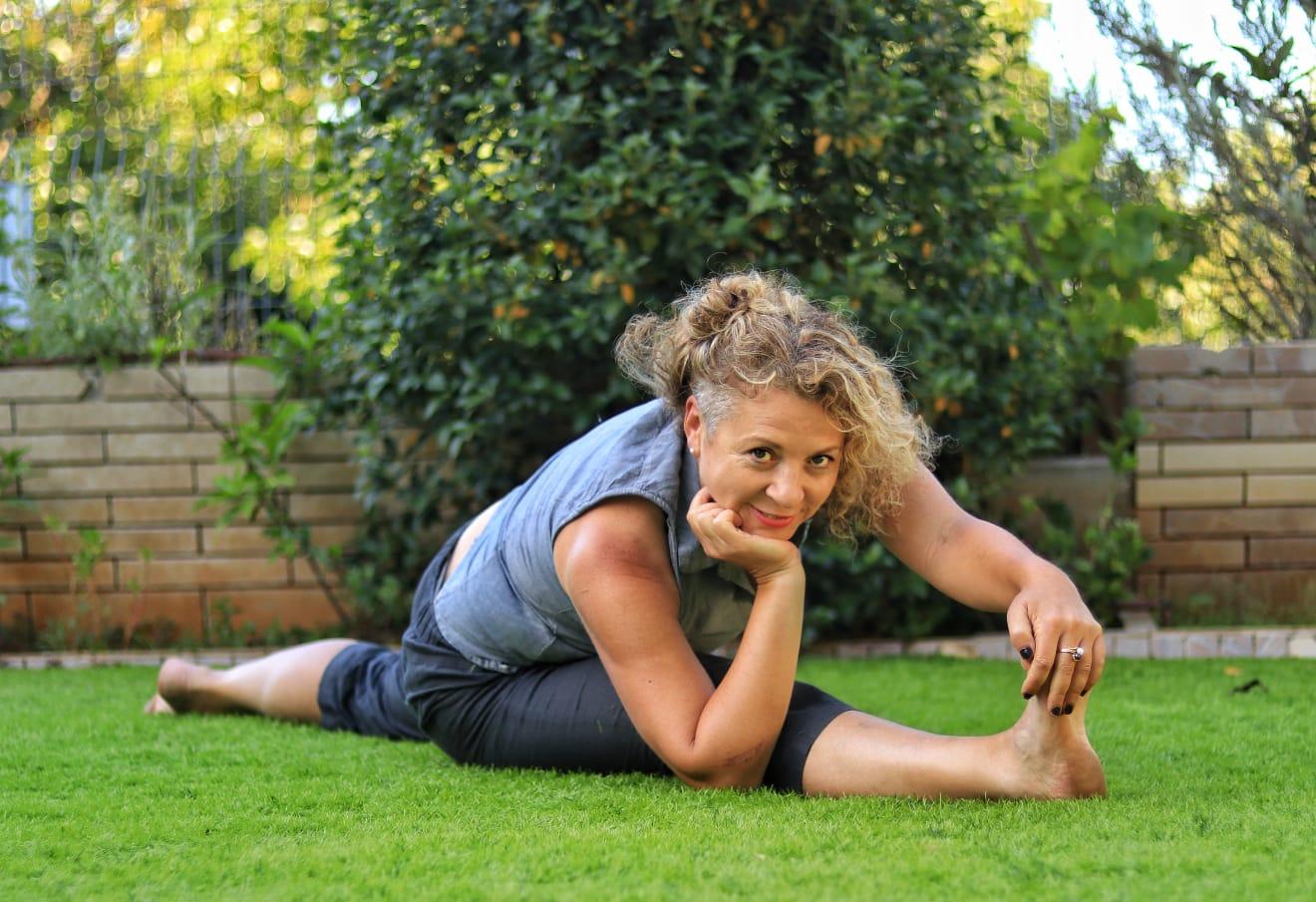 פסטיבל יוגה ישראל - יוגה נשית לקראת גיל המעבר - קארינה קזאז