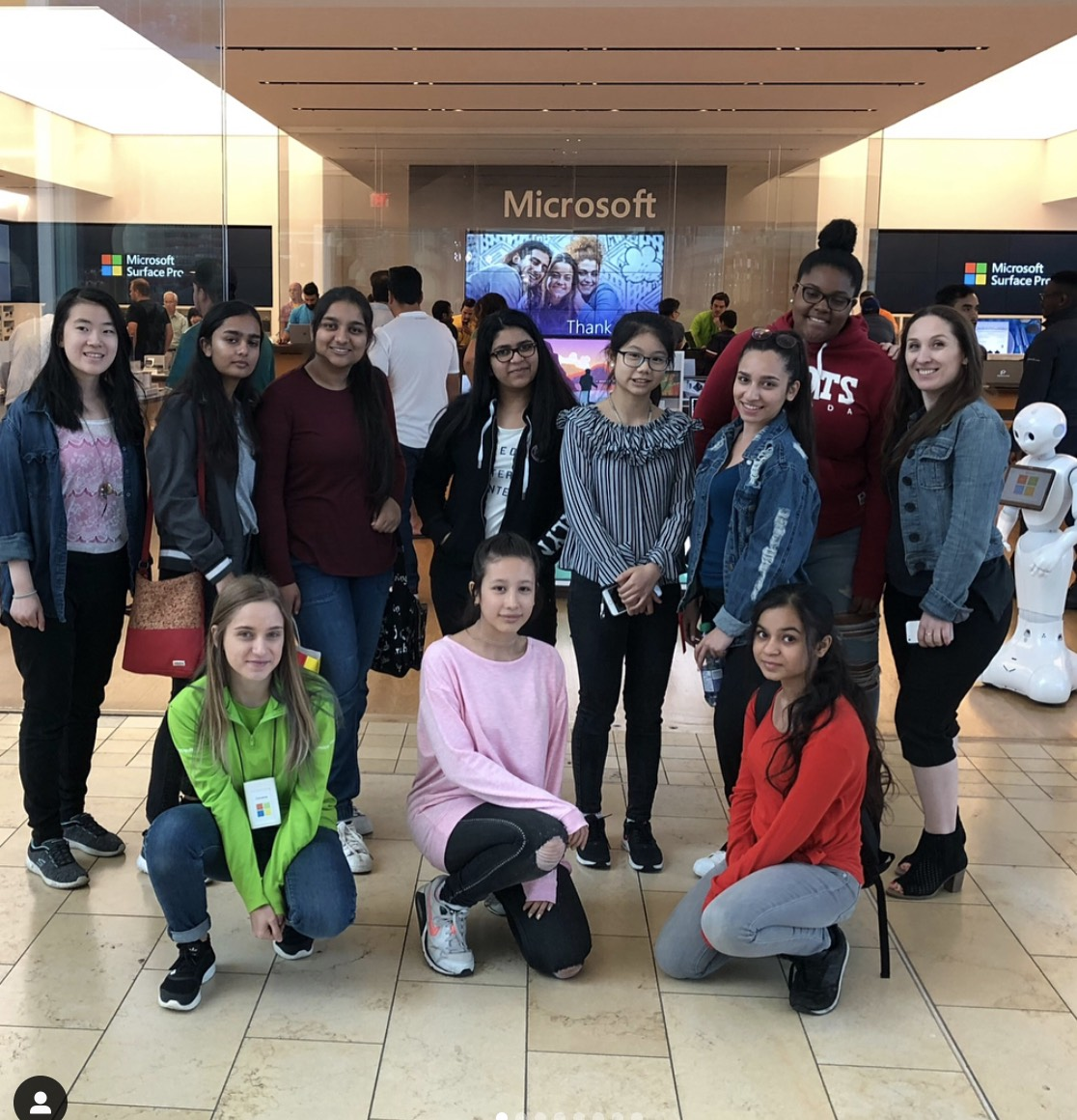 Group of girls at FITC 2018