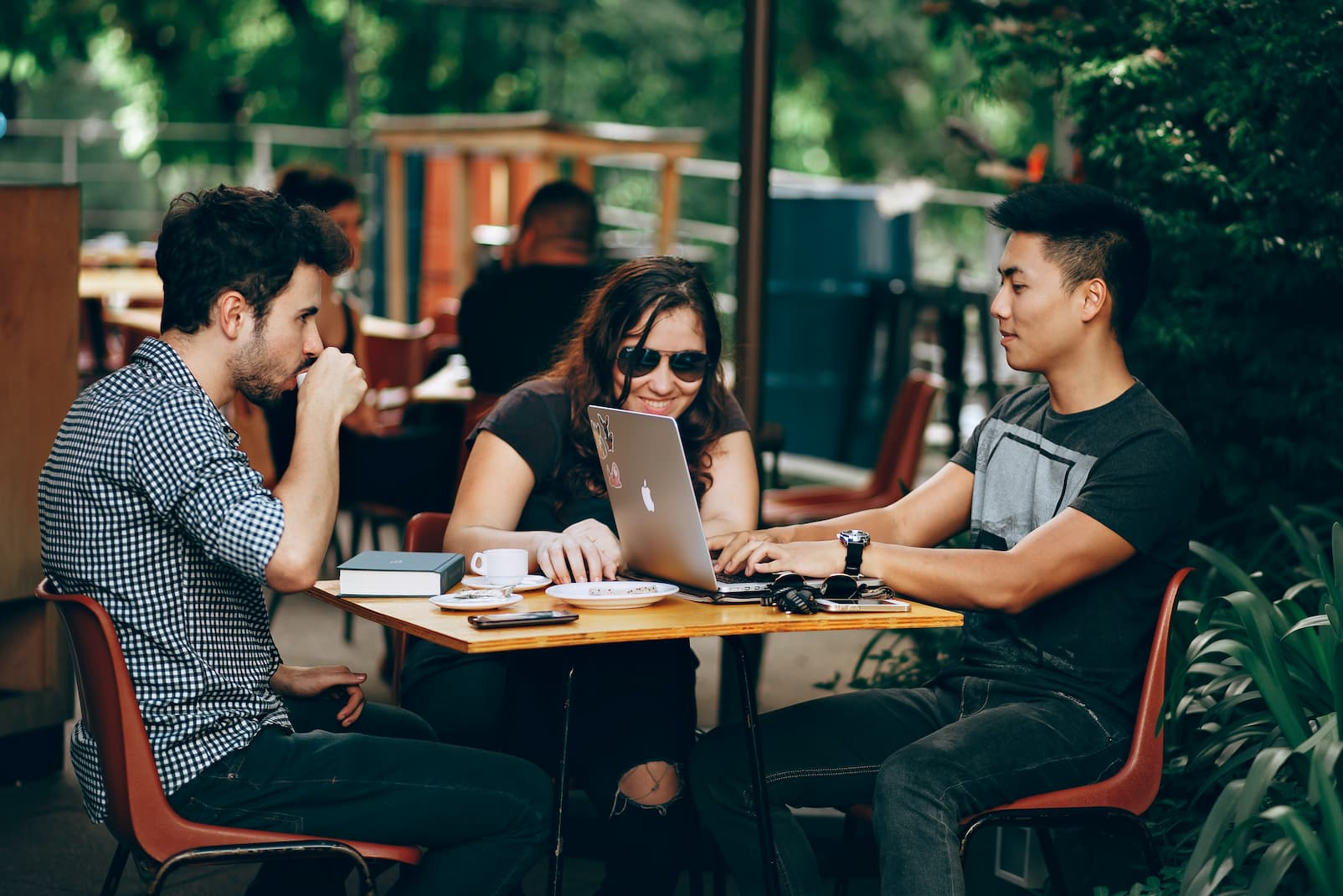 Turning your gig Into a business: How to collaborate with other freelancers