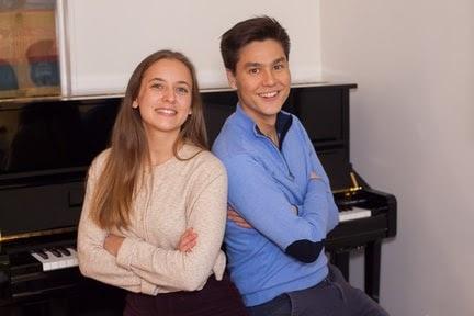 Lison et Erwan, co-fondateurs et coachs piano de Hello Virtuoso
