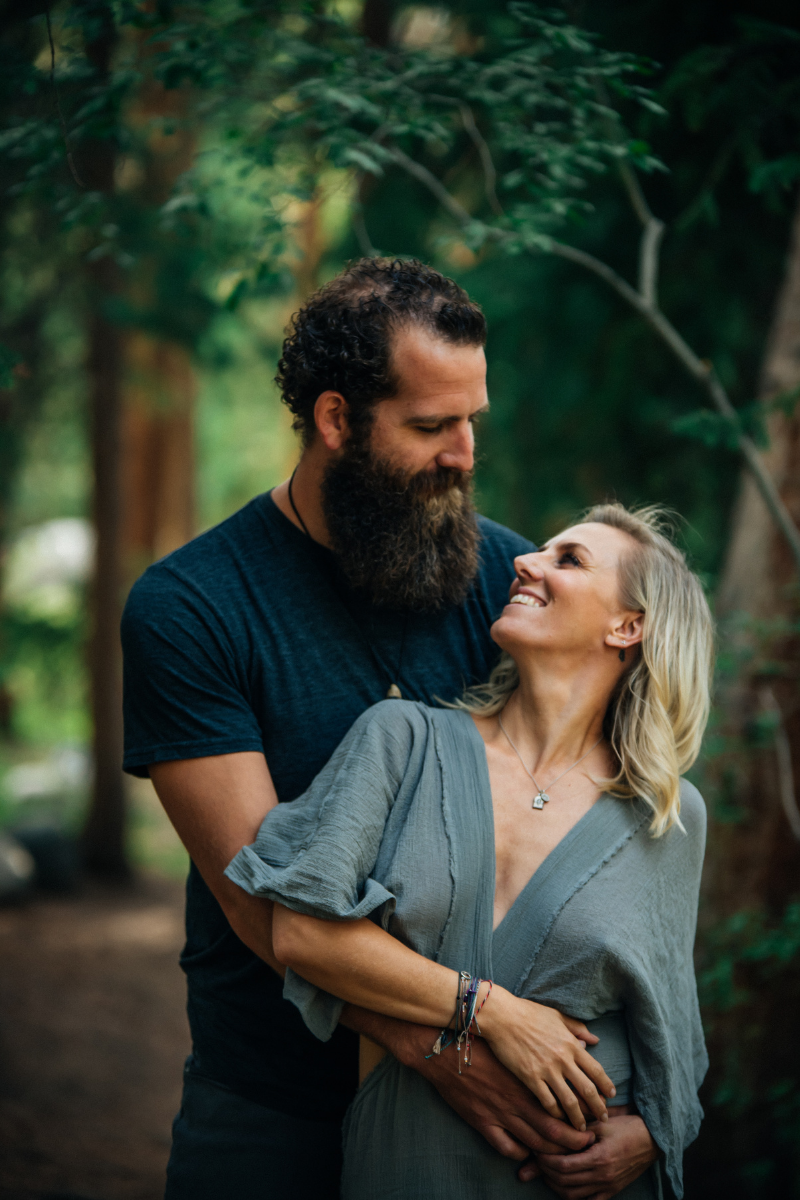 Joe and Sarah Hawley Love 'n Life Podcast Image