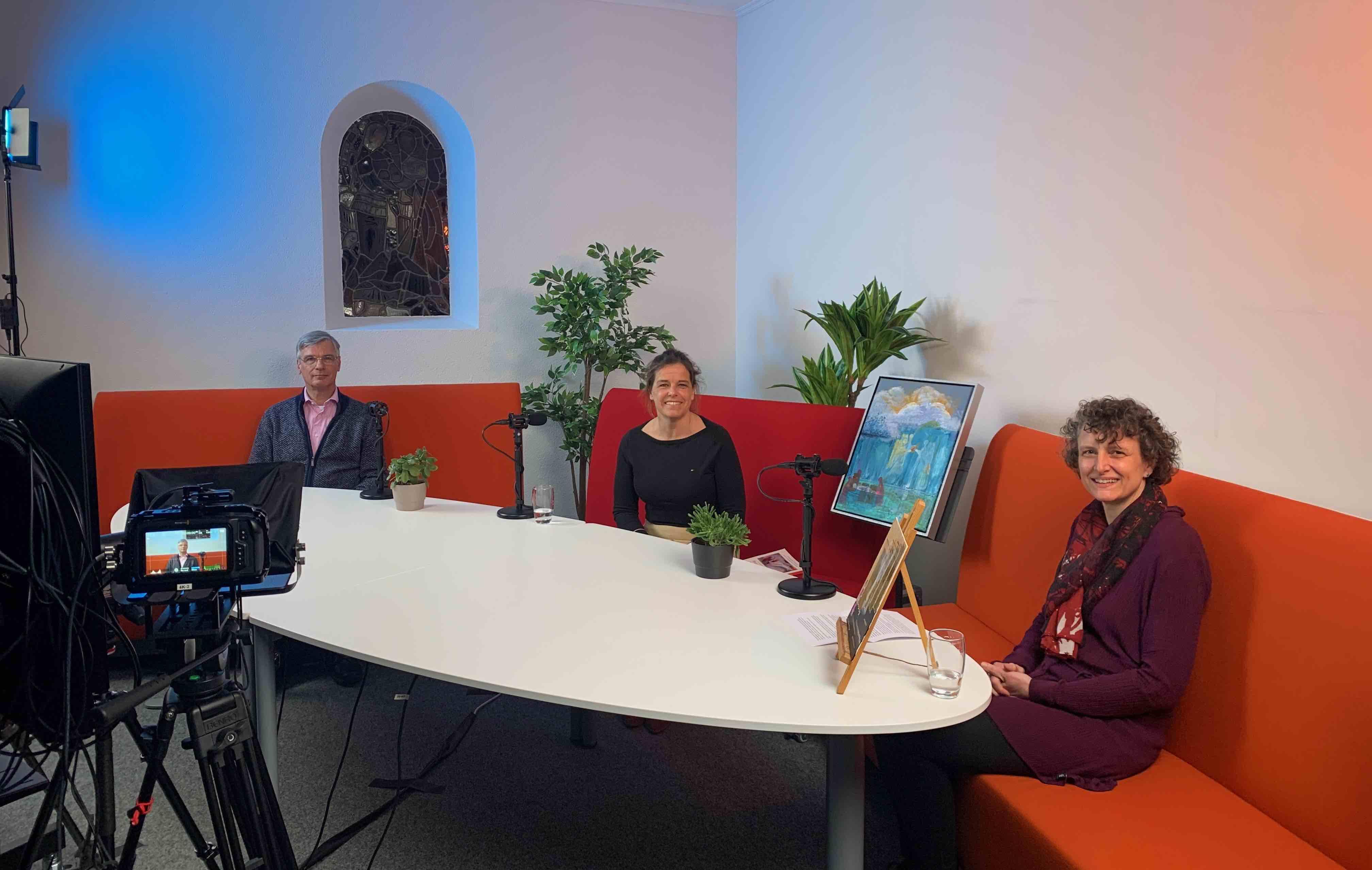 In gesprek met theoloog en schilderes tijdens webinar over engelen