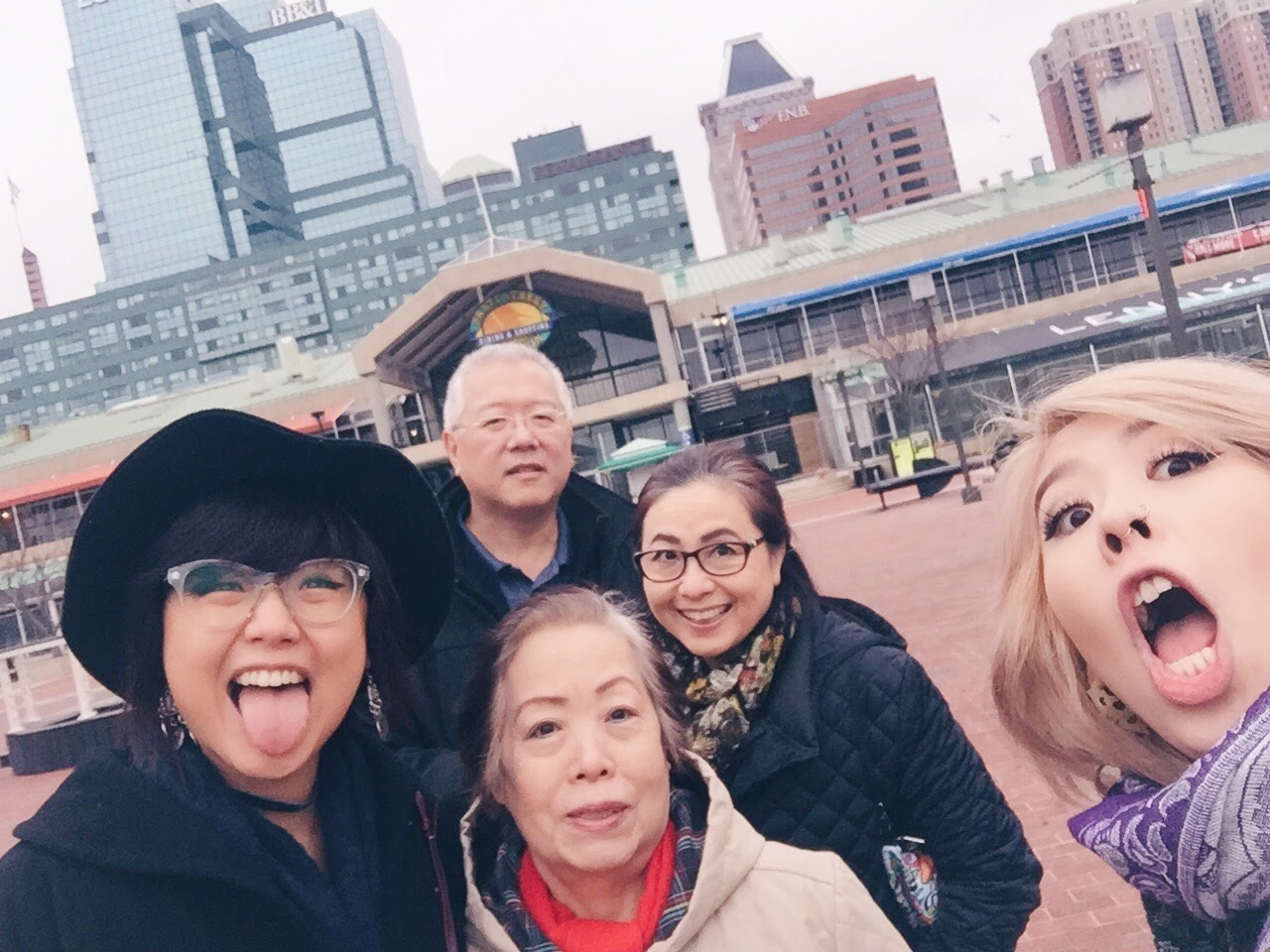Jun's paternal grandmother and her family in a selfie.
