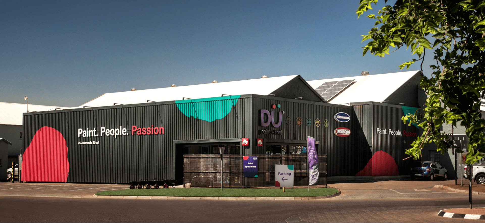 Creative Caterpillar client Dü Paint and Tool Centurion store building signage.