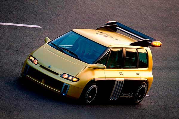 Renault Espace F1 y Ford Transit Supervan 3