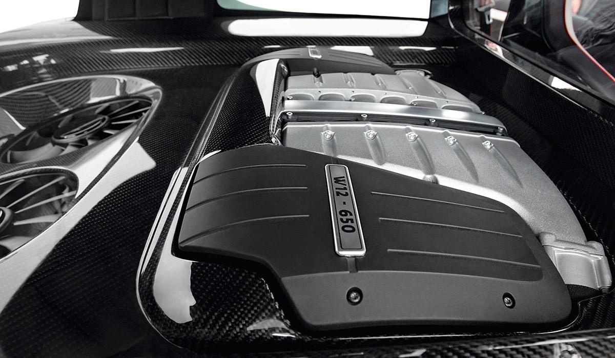 Motor Volkswagen Golf GTI W12-650