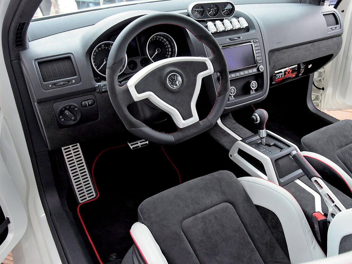 Interior Volkswagen Golf GTI W12-650