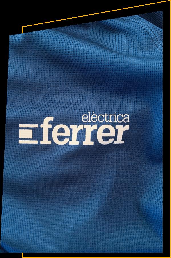 Logo eléctrica Ferrer sobre camiseta