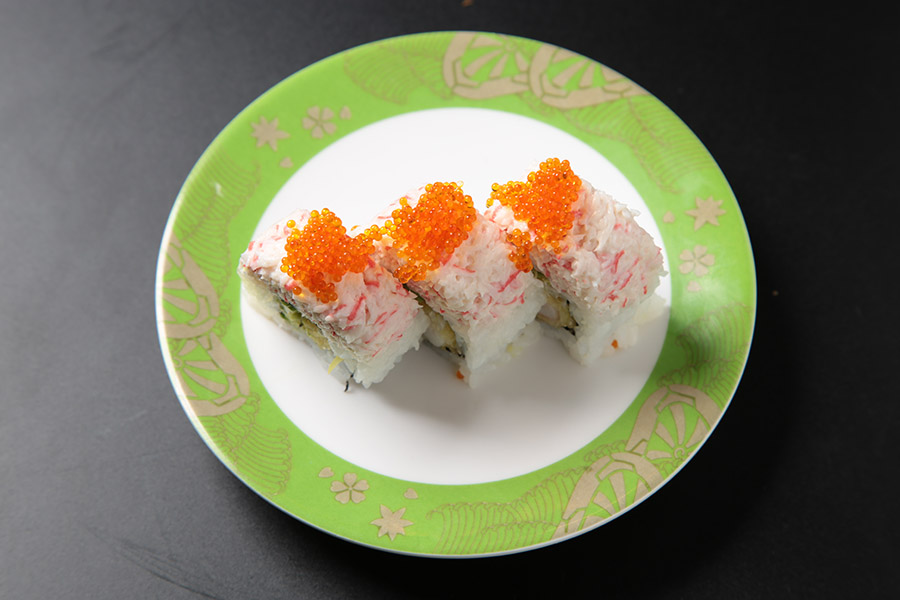 9 pcs tempura shrimp avocado roll topped with snow crab & tobiko