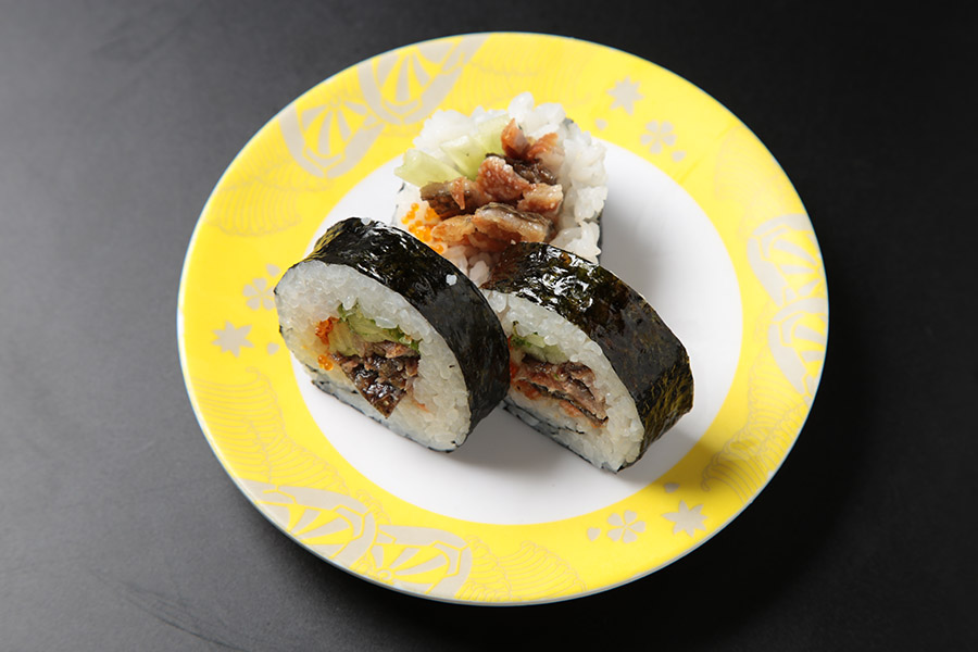 6 pcs salmon skin, green onion & tobiko