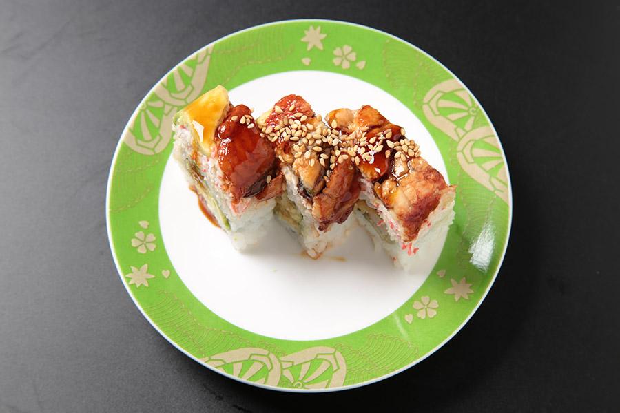 9 pcs shrimp tempura roll topped w/eel, avocado, crab meat