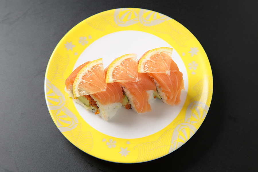9 pcs tobiko roll topped with avocado & salmon