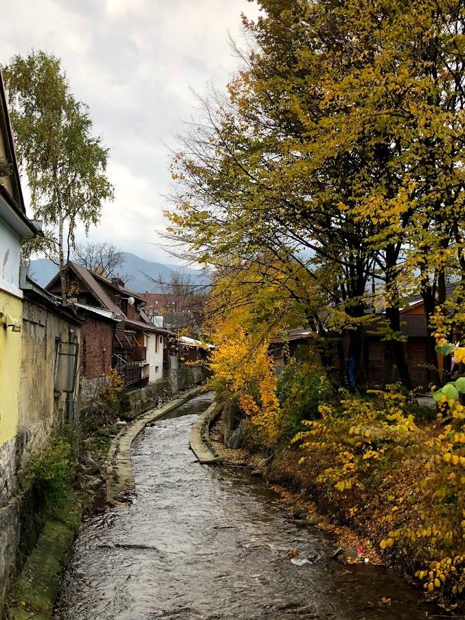 העיירה זאקופנה בסתיו