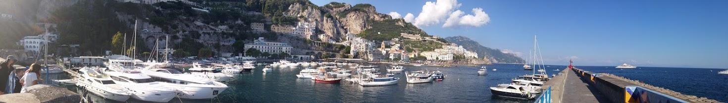 תמונה פנורמית של נמל אמאפי,איטליה