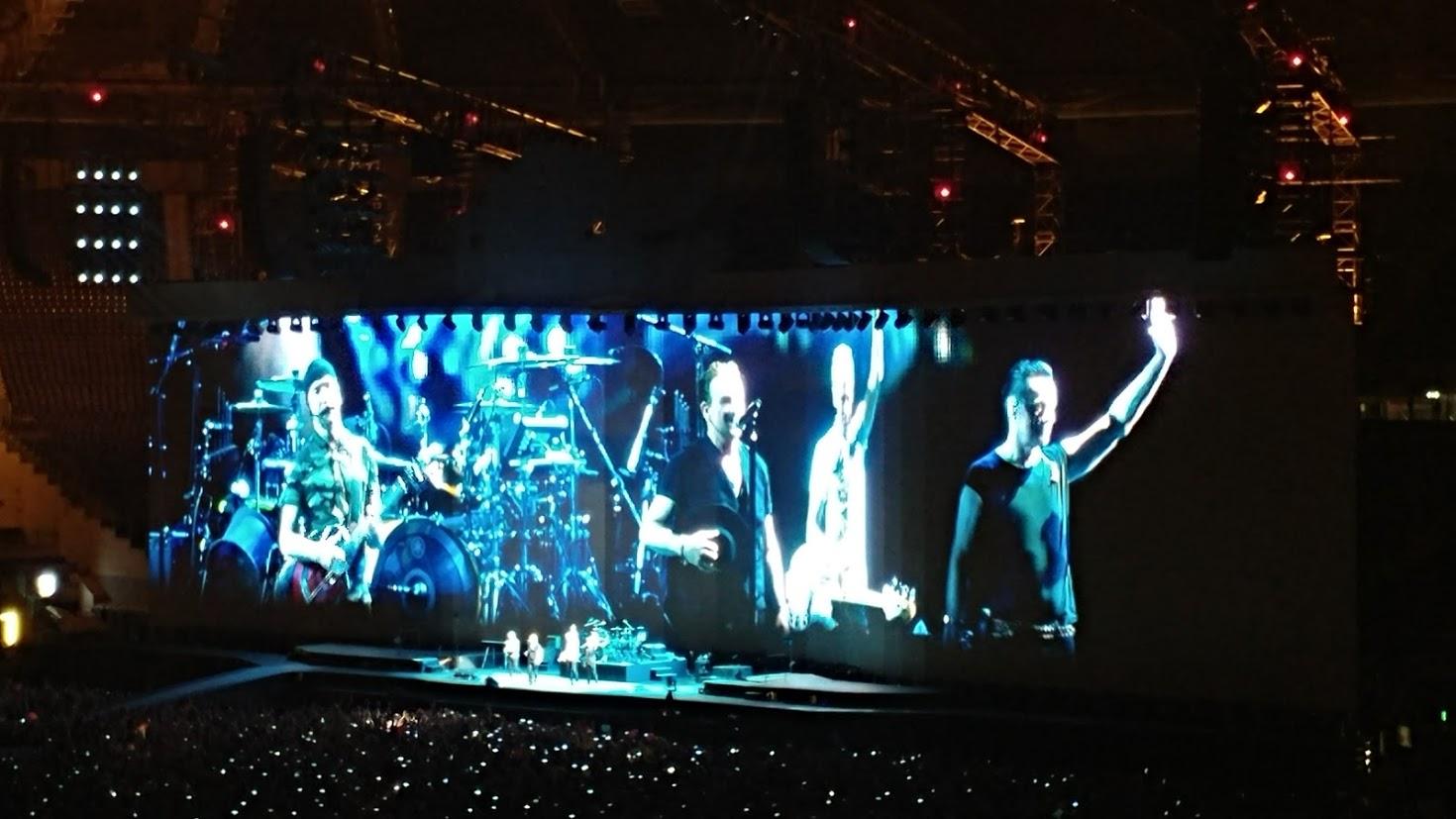 הופעה חיה של להקת U2 ברומא