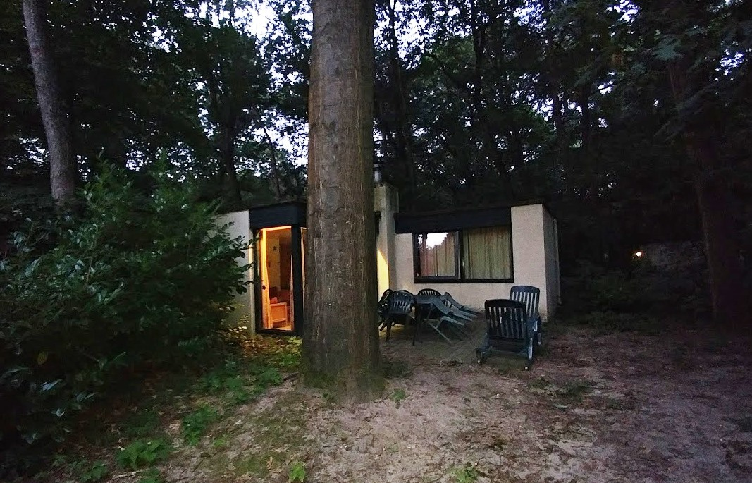 החצר של החדר בכפר הנופש בהולנד