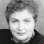 Headshot of Lola Pashalinski