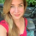 Headshot of Laura Hillenbrand