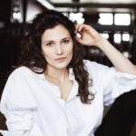 Headshot of Lis Muller-Trede
