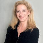 Headshot of Elizabeth Hess