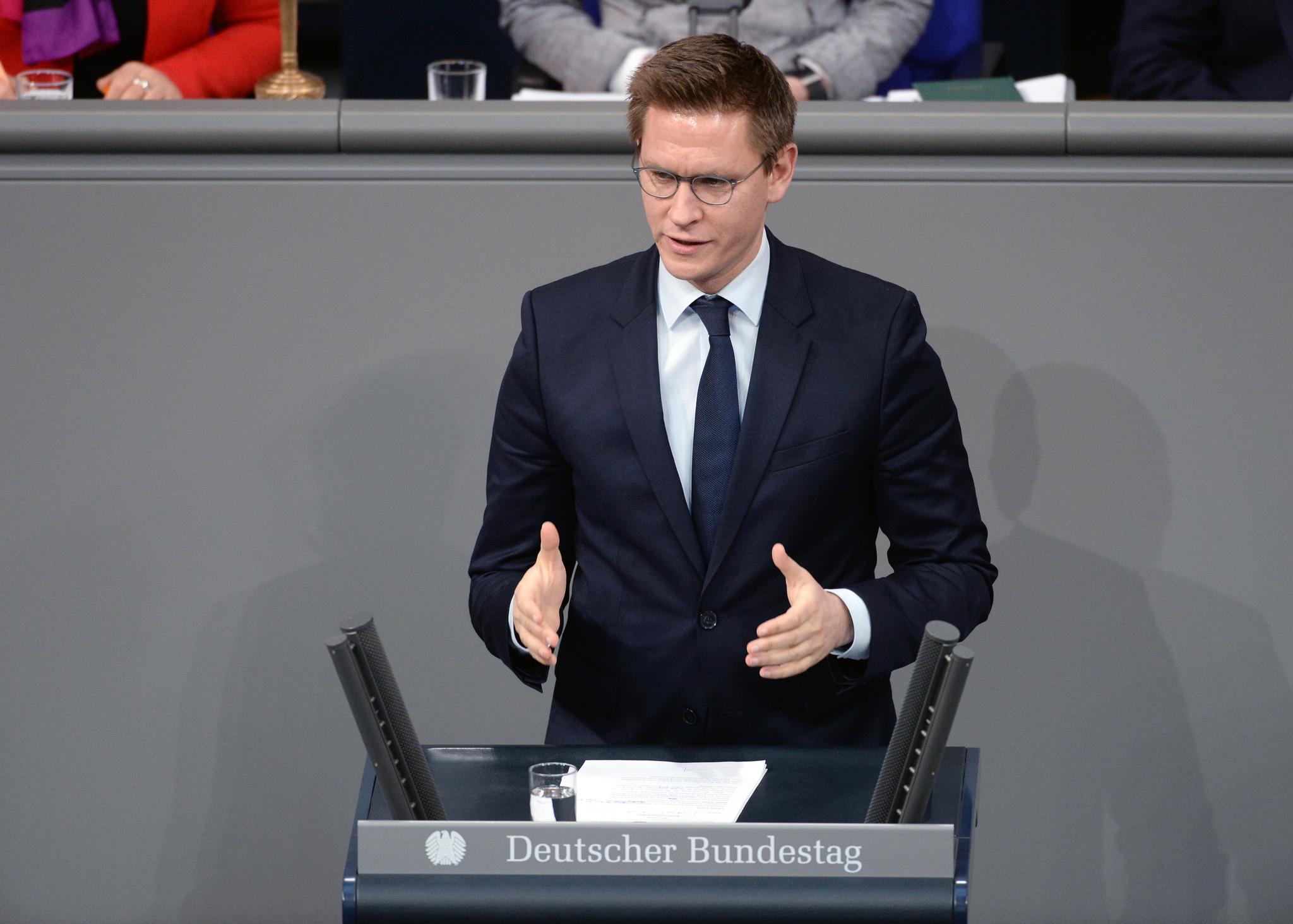 Am Freitag, 26. Februar habe ich als Berichterstatter zu Familienthemen im Finanzausschuss unter anderem über den neuen Kinderzuschlag wegen Corona im Plenum des Deutschen Bundestages gesprochen. Hier meine Rede: