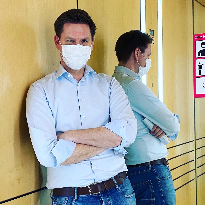 Impfen, Testen, Maskenaffäre: für uns als @cducsubt gab es heute viel zu besprechen. Deshalb haben wir ausnahmsweise hybrid im Plenarsaal getagt. Davor hatte sich jeder Kollege testen lassen und alle saßen mit FFP2-Maske mit großem Abstand vor Ort.