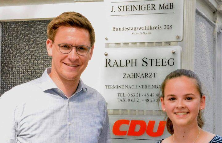 Du möchtest der nächste Juniorbotschafter oder Juniorbotschafterin für die Pfalz werden? Dann kannst du dich ab heute für das PPP 2022/23 bewerben! Mehr Informationen findest du unter: https://www.bundestag.de/ppp