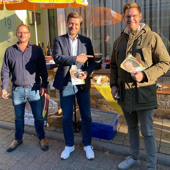 Wir starten in den letzten Tag des Wahlkampfs. Heute Morgen hat mich @christianbaldauf.mdl um 7:30 Uhr in Bockenheim unterstützt. Um 9:30 Uhr bin ich in Dürkheim, um 10:30 Uhr in Neustadt und um 12 Uhr in Speyer. Auf geht's!