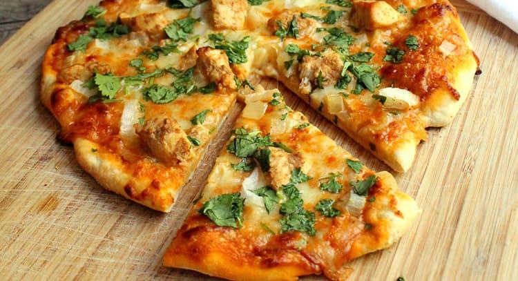 strange pizza toppings - chicken tikka masala pizza