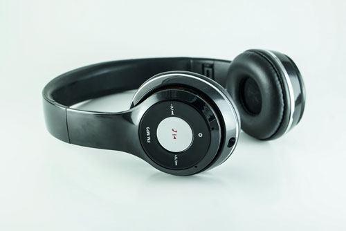 nên mua tai nghe bluetooth nào tốt