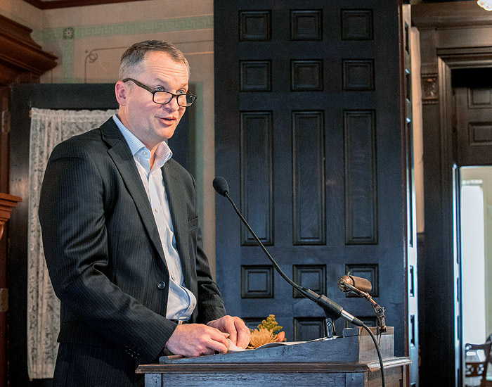 Clinical consultation speak by Paul Helft