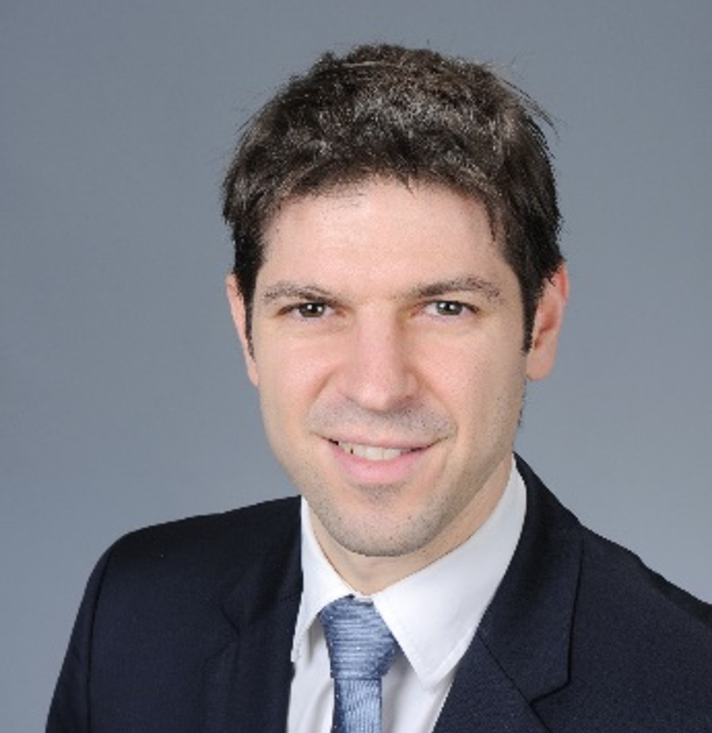 Dr. Erol Baruh