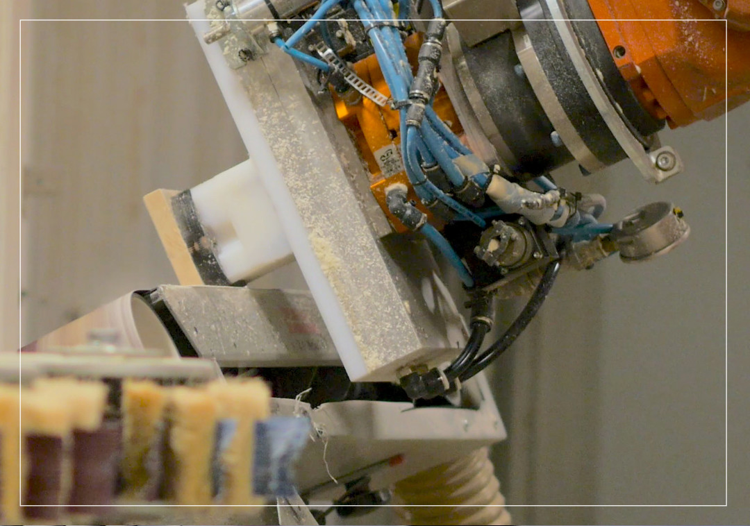 Cellule robotisée autonome de transformation du bois