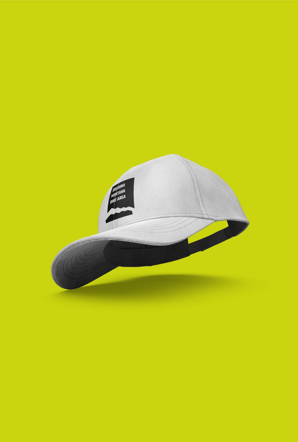 Un impiego del logo a cura di Studio Nilo: un cappellino con il logo del nostro cliente.